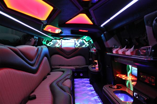 8 Person Chrysler 300 Limo Rental San Antonio